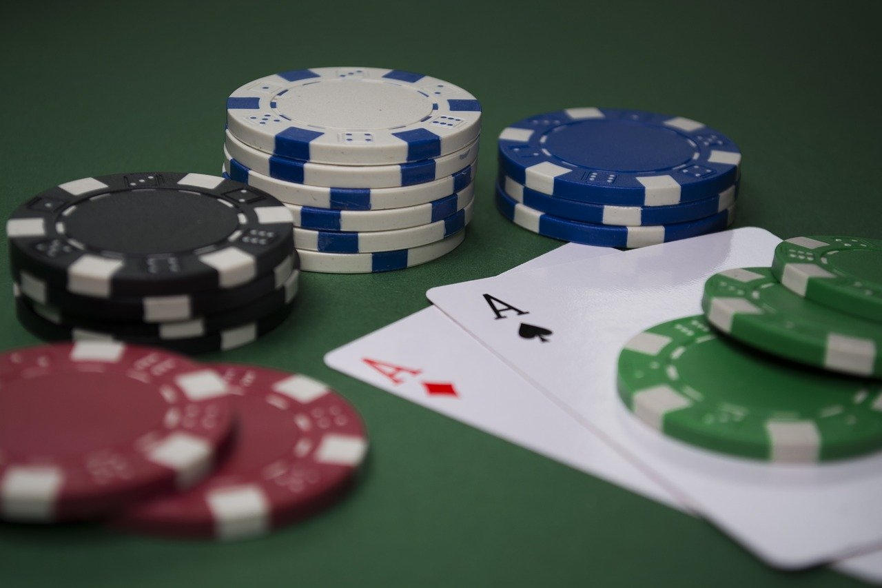 Here's How You Can Make Money by Playing Online Poker